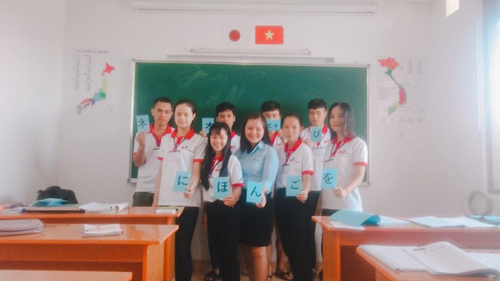 Lớp học của công ty Du Học Tây Nguyên
